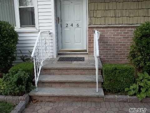 246 Wardwell Rd, Mineola, NY - USA (photo 4)