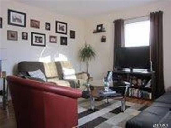 20 Carle Rd 1, Westbury, NY - USA (photo 2)
