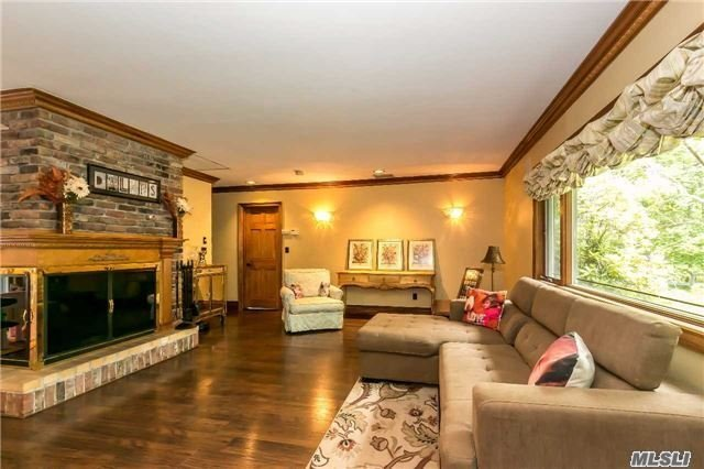 19 Timberline Dr, Bay Hills, NY - USA (photo 2)