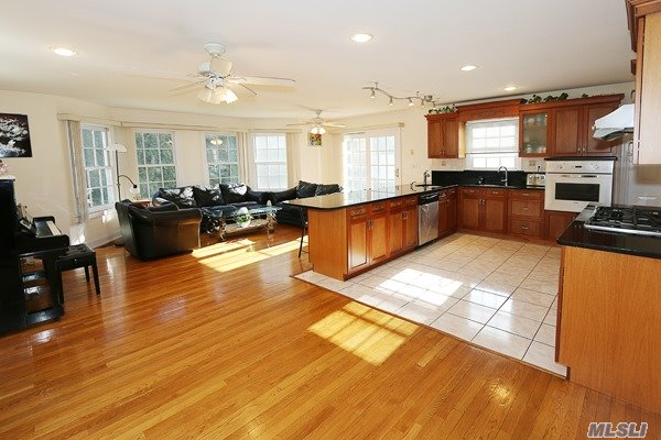 14 Mackay Way, Roslyn, NY - USA (photo 4)