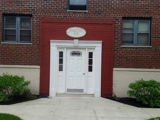 55 Tulip Ave B6-3, Floral Park, NY - USA (photo 2)