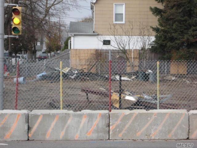 617 Willis Ave, Williston Park, NY - USA (photo 1)