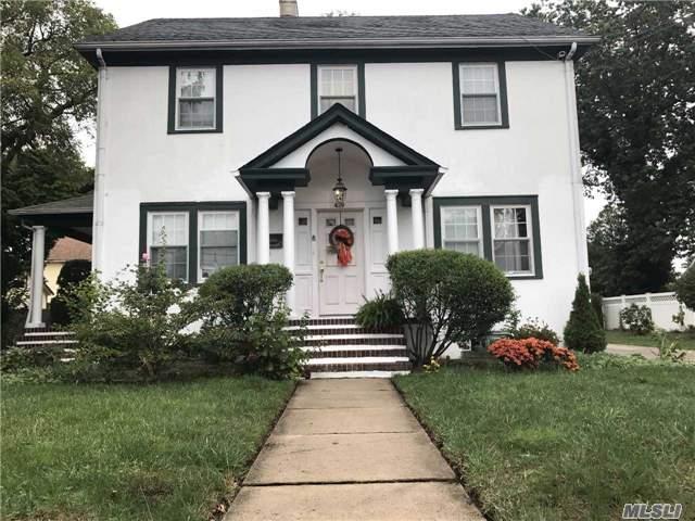 429 Dover St, Westbury, NY - USA (photo 1)