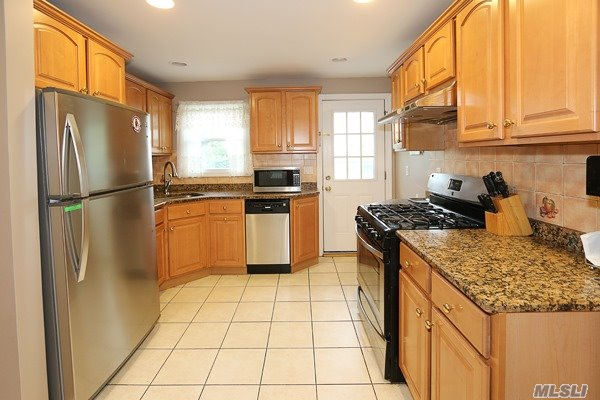346 Beebe Rd, Mineola, NY - USA (photo 4)