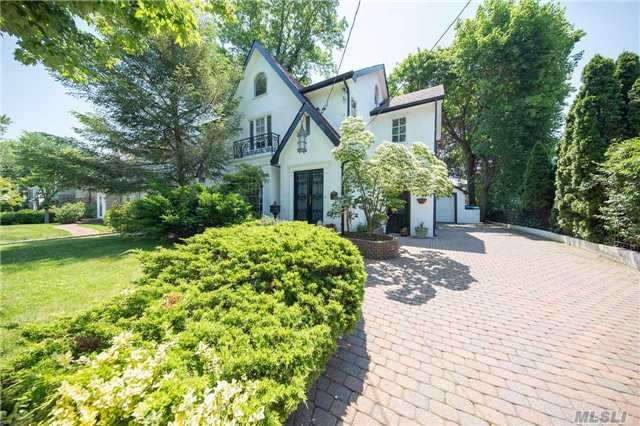 70 Allenwood Rd, Great Neck, NY - USA (photo 1)