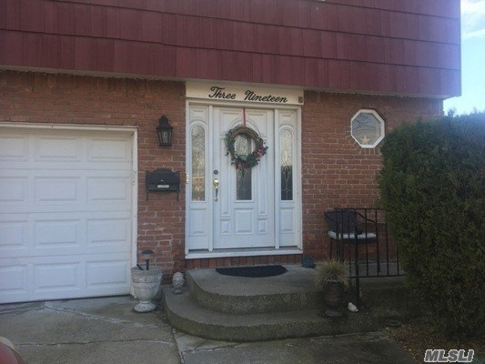 319 Garfield Ave, Mineola, NY - USA (photo 2)