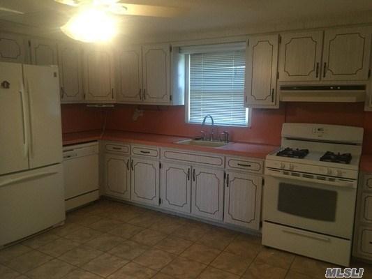 319 Garfield Ave, Mineola, NY - USA (photo 5)