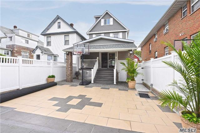9-18 127th St, College Point, NY - USA (photo 3)