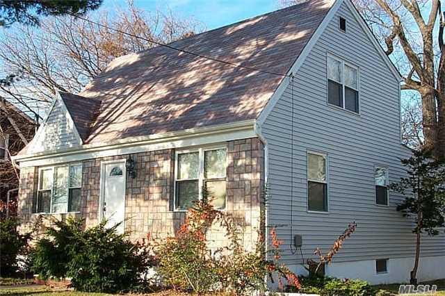 1338 Vian Ave, Hewlett, NY - USA (photo 1)