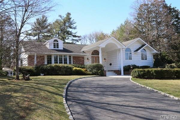 200 Hummimgbird Dr, East Hills, NY - USA (photo 1)