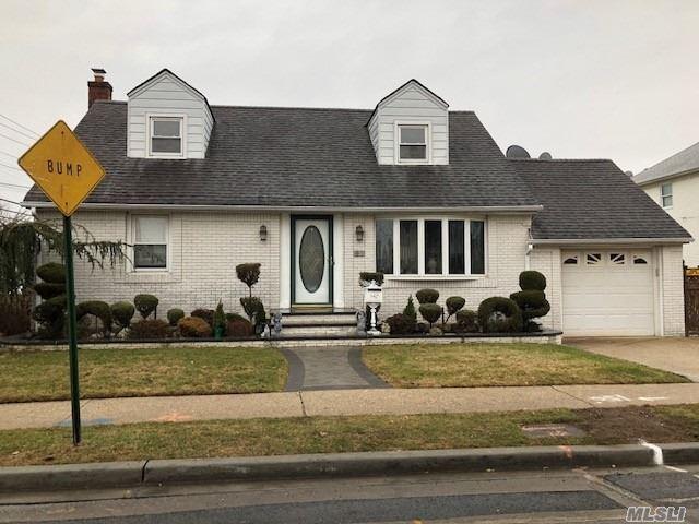 61 Clinton Ave, Mineola, NY - USA (photo 1)