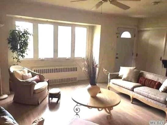 52 Eileen Ave, Plainview, NY - USA (photo 2)