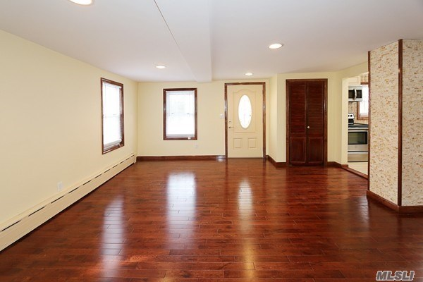 77 A Jefferson Ave, Roslyn Heights, NY - USA (photo 2)