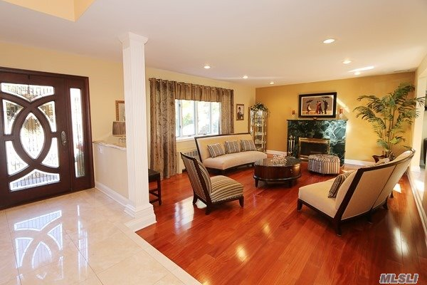 80 Oakdale Rd, Roslyn Heights, NY - USA (photo 2)