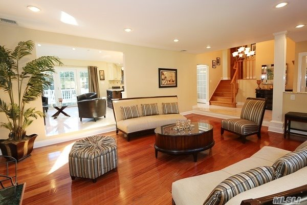 80 Oakdale Rd, Roslyn Heights, NY - USA (photo 3)
