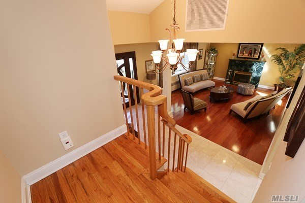 80 Oakdale Rd, Roslyn Heights, NY - USA (photo 4)