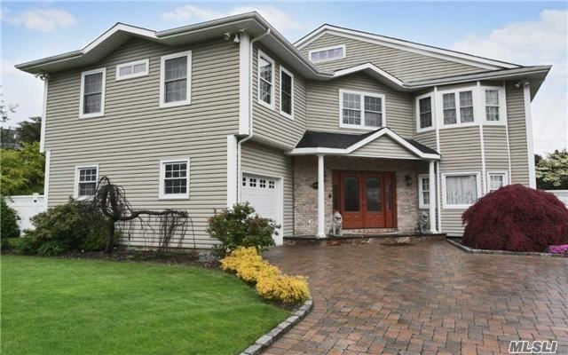 26 Foothill Ln, East Northport, NY - USA (photo 1)