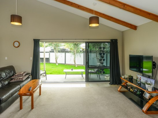 27a Jeffares Place, Taradale, Napier - NZL (photo 4)