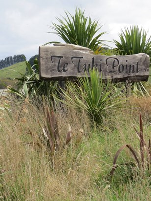 351 Whakaroa Road, Kinloch, Taupo - NZL (photo 1)