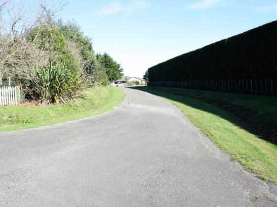 246 Polson Hill Drive, Aokautere, Palmerston North - NZL (photo 2)
