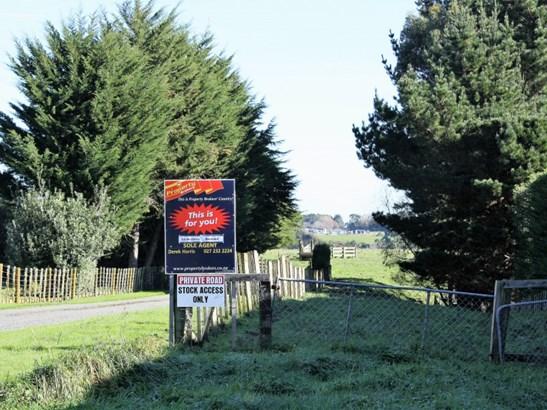 246 Polson Hill Drive, Aokautere, Palmerston North - NZL (photo 3)