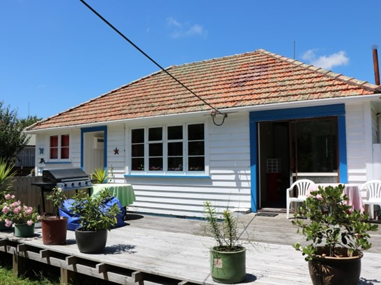 22 Park Street, Foxton, Horowhenua - NZL (photo 3)