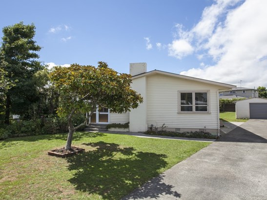 37 Karamea Crescent, Kelvin Grove, Palmerston North - NZL (photo 2)
