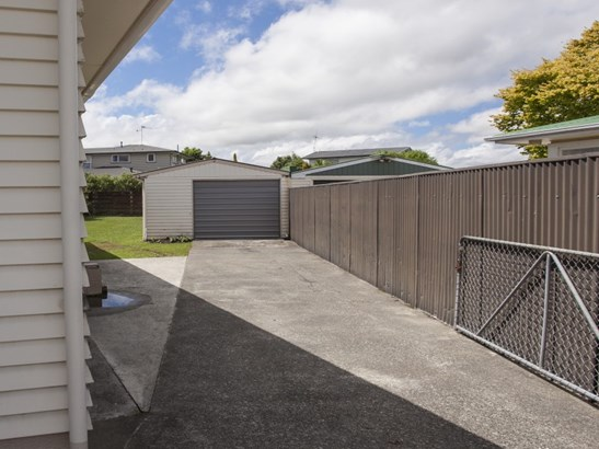 37 Karamea Crescent, Kelvin Grove, Palmerston North - NZL (photo 4)