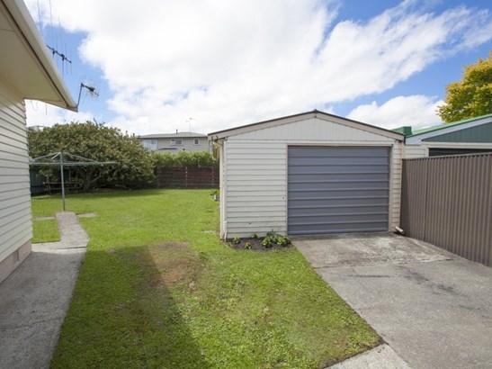 37 Karamea Crescent, Kelvin Grove, Palmerston North - NZL (photo 5)