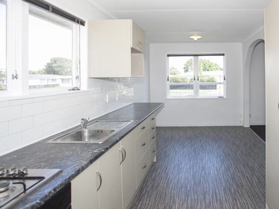 37 Karamea Crescent, Kelvin Grove, Palmerston North - NZL (photo 3)