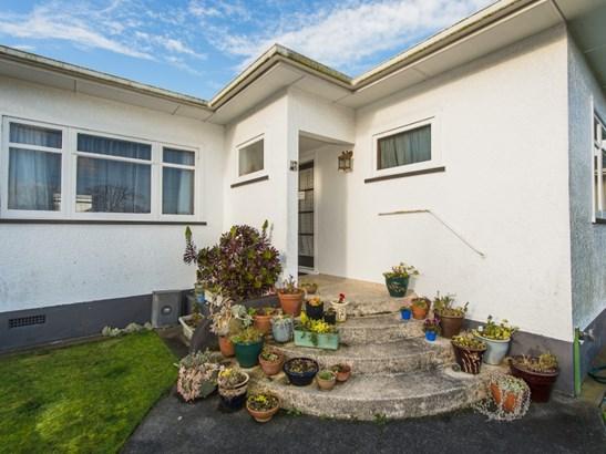 16 Caffray Avenue, Aramoho, Whanganui - NZL (photo 2)
