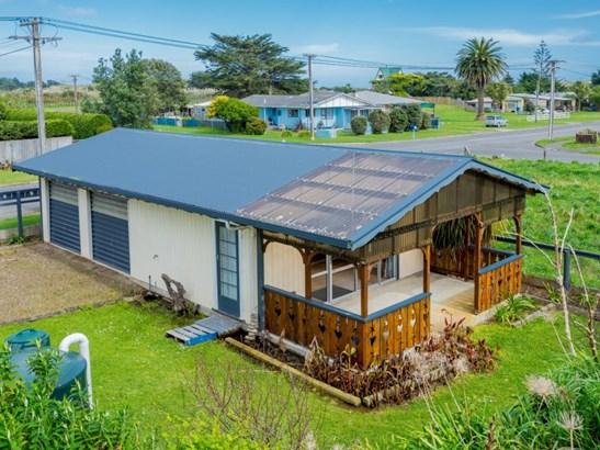 21-23 Muaupoko Street, Hokio Beach, Horowhenua - NZL (photo 2)