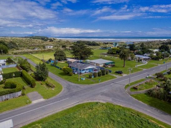 21-23 Muaupoko Street, Hokio Beach, Horowhenua - NZL (photo 4)