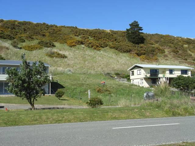 106 Lake Ferry Road, Lake Ferry, South Wairarapa - NZL (photo 3)