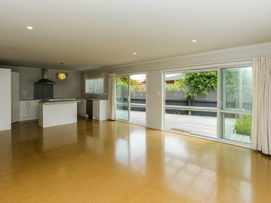 105b Barden Street, Mayfair, Hastings - NZL (photo 2)