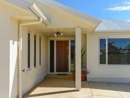13 Brooklands Drive, Havelock North, Hastings - NZL (photo 2)