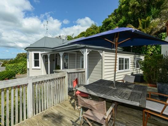 10 Paradise Road, Hospital Hill, Napier - NZL (photo 2)