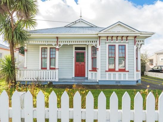 51 Young Street, Whanganui East, Whanganui - NZL (photo 1)