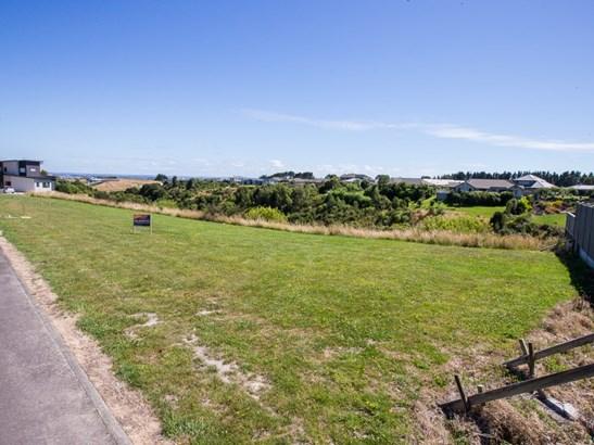 18 Silkwood Place, Fitzherbert, Palmerston North - NZL (photo 2)