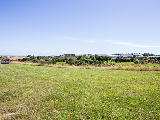 18 Silkwood Place, Fitzherbert, Palmerston North - NZL (photo 3)