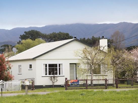 6 South Featherston Road, Featherston, South Wairarapa - NZL (photo 2)