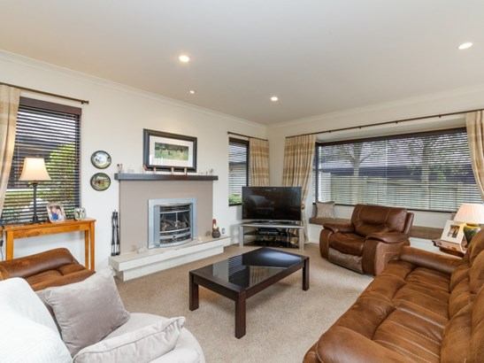 26b Johnstone Drive, Fitzherbert, Palmerston North - NZL (photo 4)