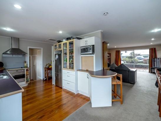 199 High Street South, Carterton - NZL (photo 2)