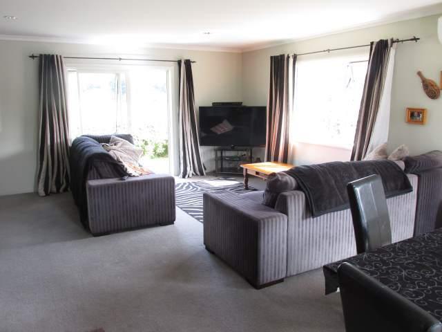 10 Wicken Place, Reefton, Buller - NZL (photo 2)