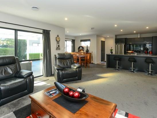 212 Frimley Oaks, Frimley, Hastings - NZL (photo 4)