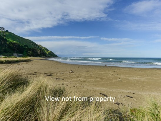 5 Mchardy Place, Blackhead Beach, Porangahau - NZL (photo 2)