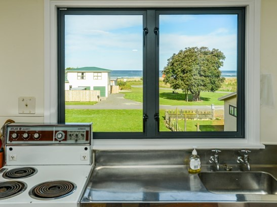 5 Mchardy Place, Blackhead Beach, Porangahau - NZL (photo 3)