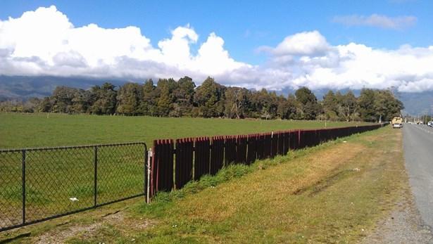 65 Domett St, Westport, Buller - NZL (photo 3)