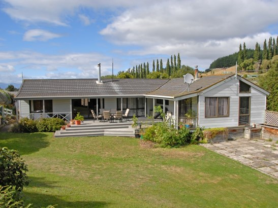 6 Jones Road, Taihape, Rangitikei - NZL (photo 2)