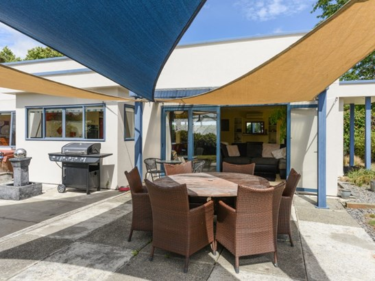 6 Petersen Place, Waipukurau, Central Hawkes Bay - NZL (photo 2)